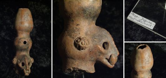 Ocarina in Form eines stilisierten Jaguar Kopfes