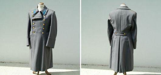 Russischer Armee-Mantel eines Offiziers der Luftwaffe
