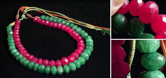 Ein schönes Halsketten-Paar Smaragden & Rubinen