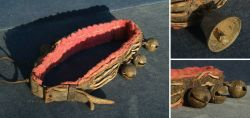 Halsband mit Bronzeschellen