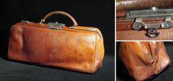 Arzttasche aus braunen Leder