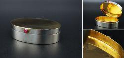 Sehr exklusive und hochqualitative ovale Silberdose