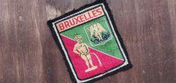 Belgien mit Stadtwappen und Manneken Pis