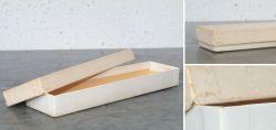 Weisse Papierschachtel