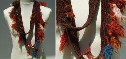 Gewebtes/Geknüpftes Wollband